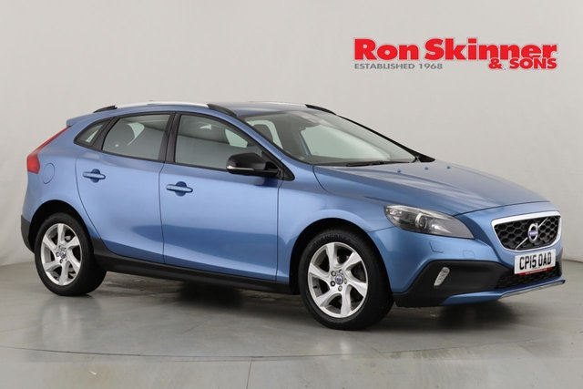 View our 2015 15 VOLVO V40 1.6 D2 CROSS COUNTRY LUX NAV 5d 113 BHP