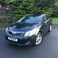 USED 2011 61 TOYOTA AVENSIS 2.0 TR D-4D  5d 125 BHP ESTATE SAT NAV + REAR PARKING CAMERA + JUST TWO OWNERS