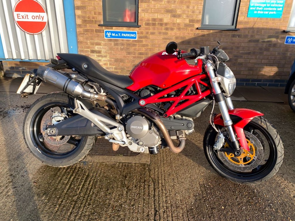 View our DUCATI M696 MONSTER