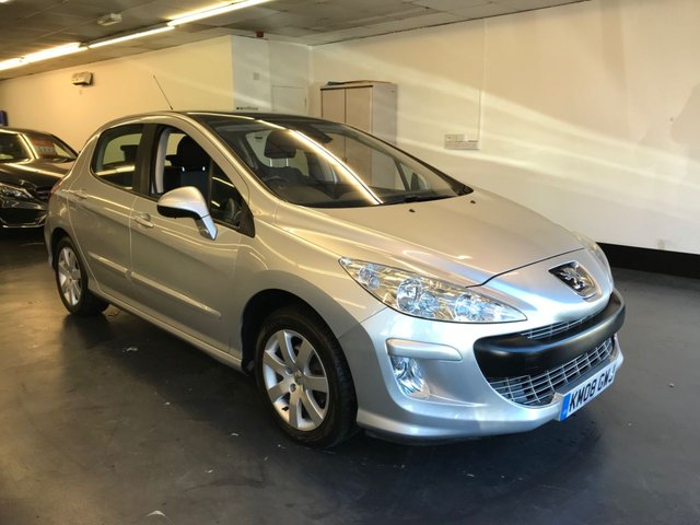 USED 2008 08 PEUGEOT 308 1.6 SE 5d 118 BHP REAR PARKING SENSORS, PANORAMIC OPENING ROOF, ELECTRIC FOLDING DOOR MIRRORS.