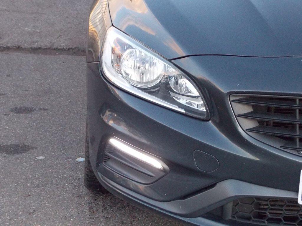 USED 2015 15 VOLVO V60 2.4 D5 R-DESIGN NAV 5d 212 BHP