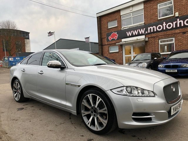 USED 2014 14 JAGUAR XJ 3.0 D V6 PORTFOLIO 4d 275 BHP EXCELLENT EXAMPLE WITH PANORAMIC ROOF, ALLOY WHEELS, PARK SENSORS, HEATED WINDSCREEN, LEATHER INTERIOR, RADIO/CD/AUX/USB, CRUISE CONTROL, CLIMATE CONTROL, SATELLITE NAVIGATION