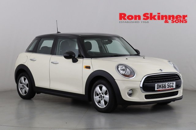 View our 2016 66 MINI HATCH COOPER 1.5 COOPER 5d 134 BHP with Pepper Pack