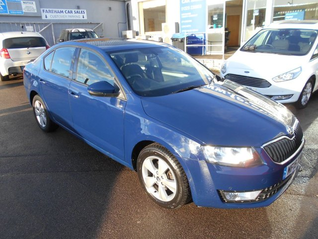 USED 2015 15 SKODA OCTAVIA 1.6 SE BUSINESS GREENLINE III TDI CR 5d 109 BHP £0 ROAD TAX - COMPREHENSIVE SERVICE HISTORY