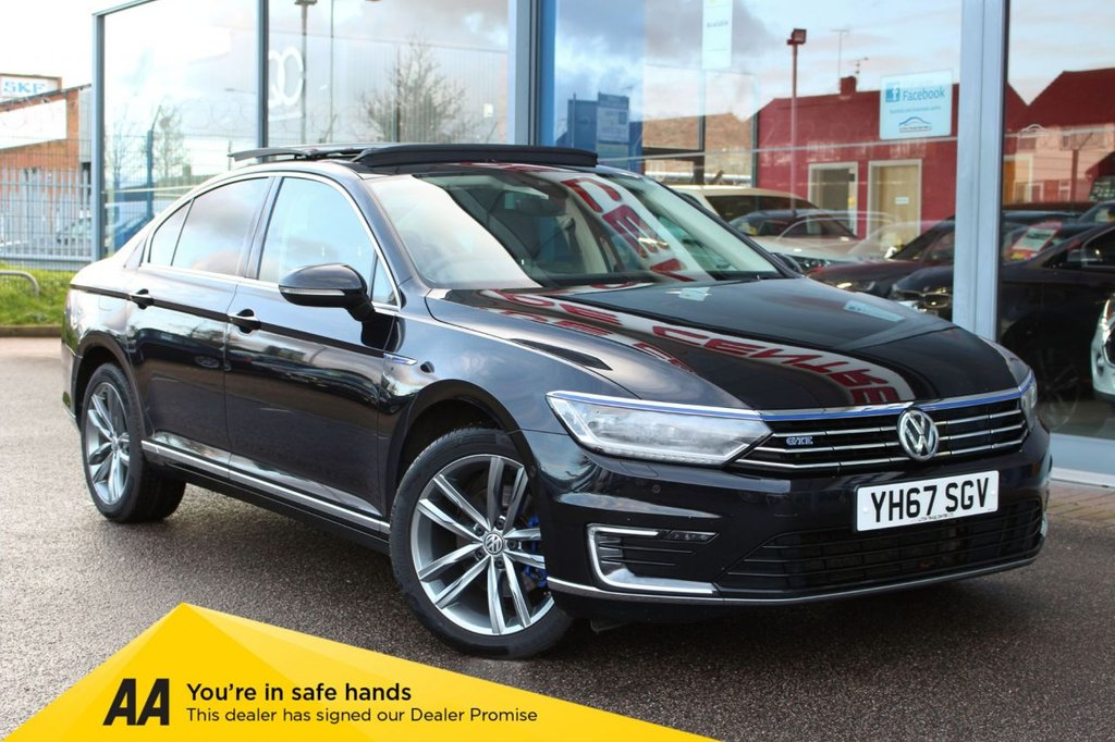 "USED 2017 67 VOLKSWAGEN PASSAT 1.4 TSi GTE 4d 215 BHP - EURO 6, NAV, HTD/LEATHER, ELECTRIC SUNROOF, DAB, ACC & 18"" ALLOYS"