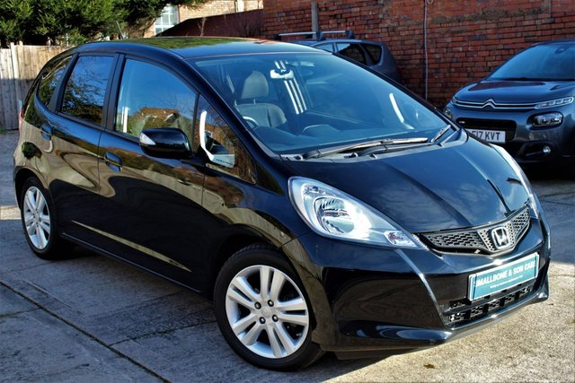USED 2015 15 HONDA JAZZ 1.3 I-VTEC ES PLUS 5d 99 BHP **** 5,000 MILES ONLY * ONE OWNER * FULL MAIN DEALER SERVICE HISTORY ****
