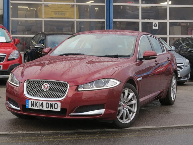 USED 2014 14 JAGUAR XF 2.2 D LUXURY 4d 200 BHP