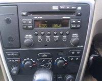 USED 2005 55 VOLVO V70 2.4 SE 5d 170 BHP