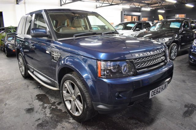 USED 2013 62 LAND ROVER RANGE ROVER SPORT 3.0 SDV6 HSE BLACK 5d 255 BHP LOVELY HSE BLACK 3.0 SDV6 - LANDROVER S/H TO 74K - LEATHER - NAV - TV - DUAL VIEW - KEYLESS ENTRY - SIDE STEPS - PRIVACY GLASS