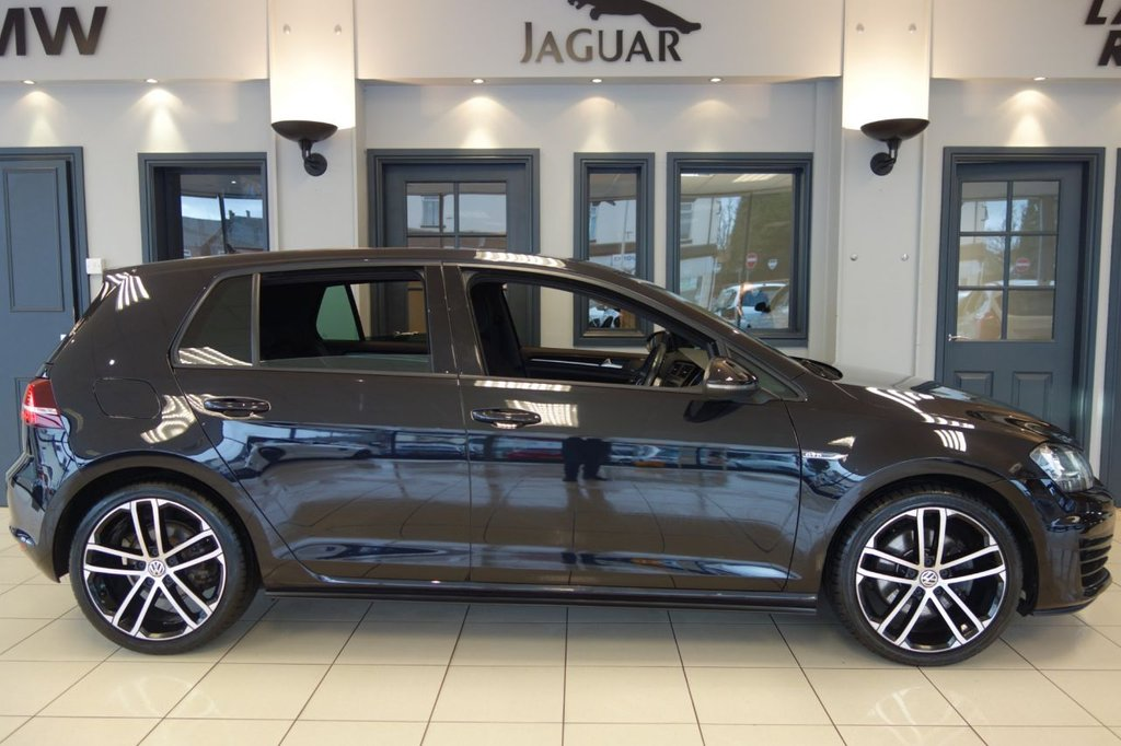 USED 2016 66 VOLKSWAGEN GOLF 2.0 GTD 5DR 1 OWNER 181 BHP FINISHED IN STUNNING METALLIC PEARL DEEP BLACK WITH FULL BLACK CLOTH CHECKER HEATED SEATS + SATELLITE NAVIGATION + DAB DIGITAL RADIO + BLUETOOTH + DUAL ZONE AIR CONDITIONING + CLIMATE CONTROL + CRUISE CONTROL + COLLISION WARNING + LANE ASSIST + AUTO LIGHTS + FOLDING HEATED MIRRORS + VOICE COMMAND + GLOSS BLACK TRIM + AUTO HOLD HILL START + SELECTABLE DRIVING MODES + RAIN SENSORS + ANTHRACITE HEADLINING + TRACTION CONTROL +  FULL SERVICE HISTORY + ULEZ COMPLIANT