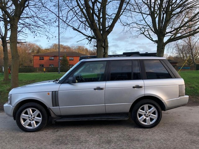 USED 2002 02 LAND ROVER RANGE ROVER 4.4 V8 VOGUE 5d 282 BHP