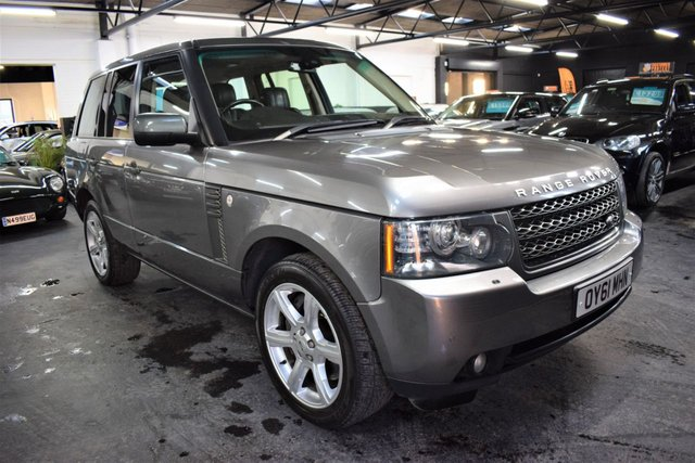 USED 2011 61 LAND ROVER RANGE ROVER 4.4 TDV8 VOGUE 5d 313 BHP GREAT VALUE 4.4 TDV8 VOGUE - ONE PREVIOUS KEEPER - 6 SERVICE STAMPS TO 101K - LEATHER - NAV - TV - 20 INCH ALLOYS - SUNROOF