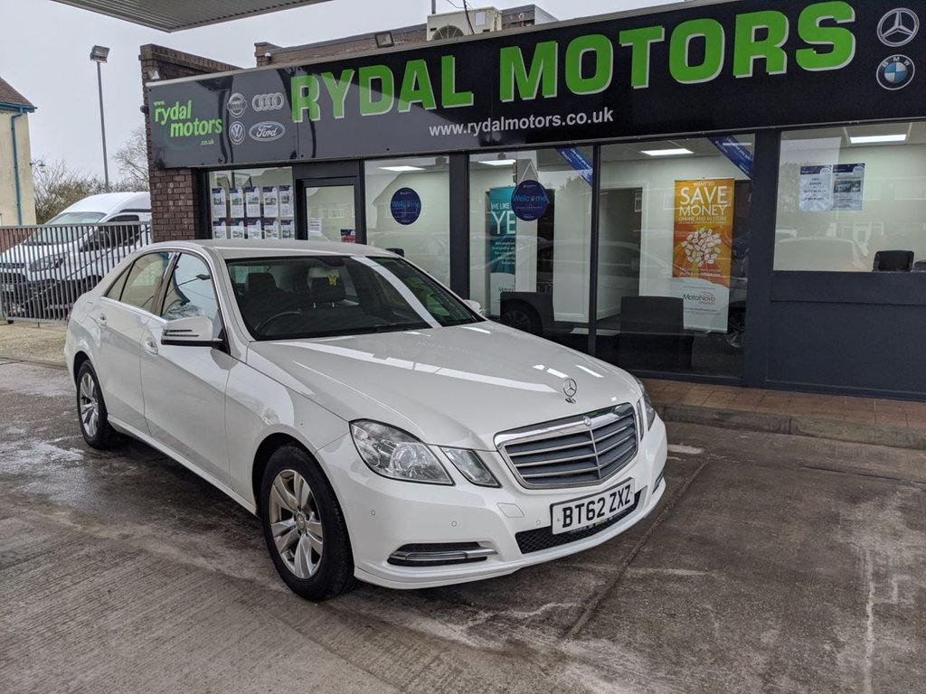 USED 2013 62 MERCEDES-BENZ E CLASS 2.1 E220 CDI BLUEEFFICIENCY S/S SE 4d 170 BHP A VERY LOW MILEAGE MODEL WITH FULL SERVICE HISTORY, 2 KEYS AND A FULL BOOK PACK INCLUDED