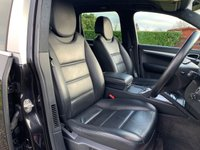 USED 2006 56 PORSCHE CAYENNE 4.5 TURBO S 5d 514 BHP SAT NAV HEATED SEATS/STEERING WHEEL BOSE SOFT CLOSE TAILGATE