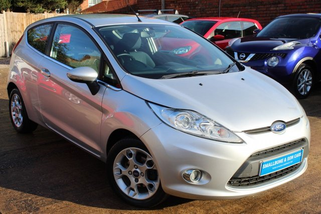 USED 2012 62 FORD FIESTA 1.2 ZETEC 3d 81 BHP **** BLUETOOTH * AIR CON * QUICKCLEAR HEATED WINDSCREEN ****