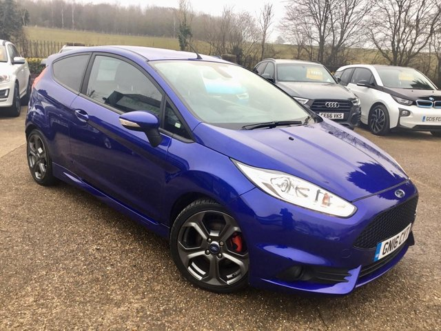 """USED 2016 16 FORD FIESTA 1.6 ST-3 3d 180 BHP ONE PRIVATE OWNER, SAT NAV, HALF LEATHER INTERIOR, 17"""" ALLOYS, AIR CONDITIONING, CLIMATE CONTROL, BLUETOOTH, PARKING SENSORS, PRIVACY GLASS, 3 SERVICE STAMPS, SPARE KEY"""