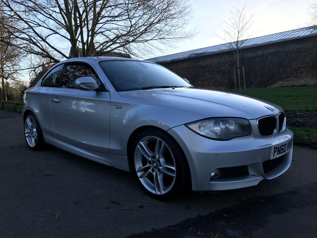 USED 2010 60 BMW 1 SERIES 2.0 120I M SPORT 2d 168 BHP OVER £4000 OF OPTIONAL EXTRAS, STUNNING SILVER & RED LEATHER
