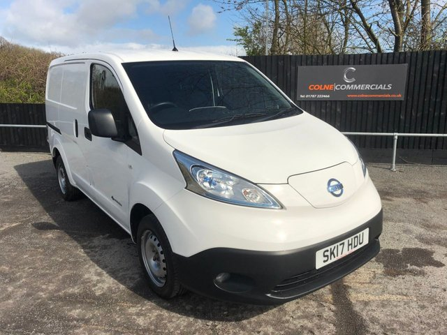 View our NISSAN e-NV200
