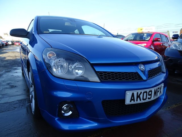 USED 2009 09 VAUXHALL ASTRA 2.0 VXR 3d 240 BHP VERY CLEAN CAR