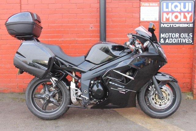 USED 2009 59 TRIUMPH SPRINT ST 1050 *FSH, 3mth Warranty, Long Mot, Full Luggage* A Great All Round Machine, Finance and Delivery Available.