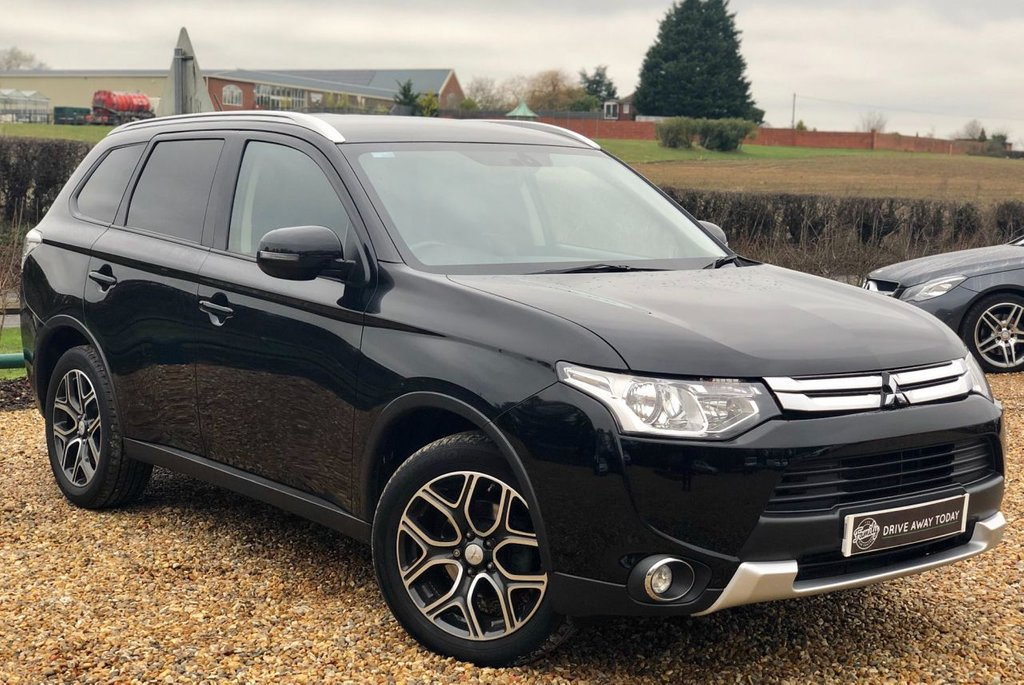 USED 2015 64 MITSUBISHI OUTLANDER 2.3 DI-D GX 3 5d 147 BHP LEATHER, 1 OWNER & F/S/H