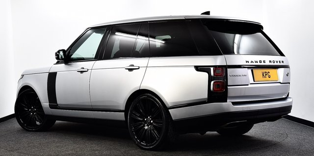 """USED 2018 68 LAND ROVER RANGE ROVER 3.0 SD V6 Vogue SE Auto 4WD (s/s) 5dr Black Pack, Pan Roof, 22""""s ++"""