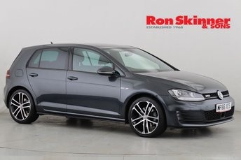 2016 VOLKSWAGEN GOLF}