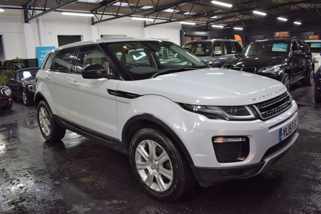 USED 2015 15 LAND ROVER RANGE ROVER EVOQUE 2.0 TD4 SE TECH 5d 177 BHP 4X4 GREAT VALUE 2015 LANDROVER EVOQUE SE TECH - 4X4 - LANDROVER S/H - TWO TONE LEATHER - NAV - HEATED SEATS - GLASS PANORAMIC ROOF