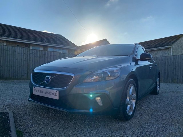2014 63 VOLVO V40 1.6 D2 CROSS COUNTRY LUX 5d 113 BHP