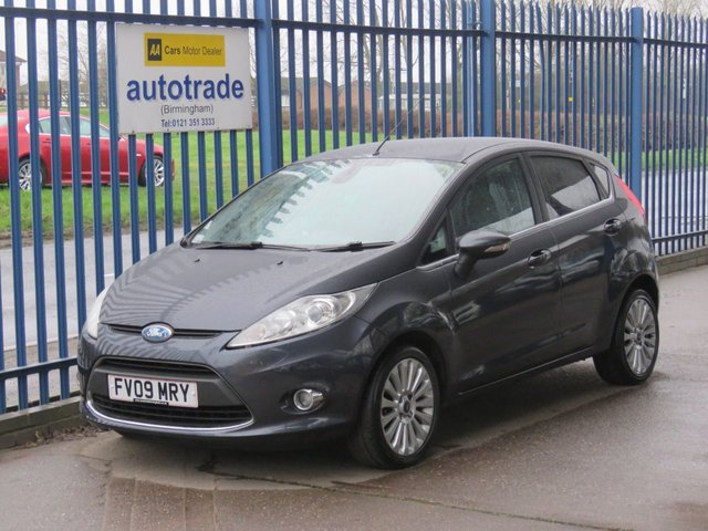 USED 2009 09 FORD FIESTA 1.4 TITANIUM 5dr Bluetooth Cruise Privacy Alloys Folding mirrors