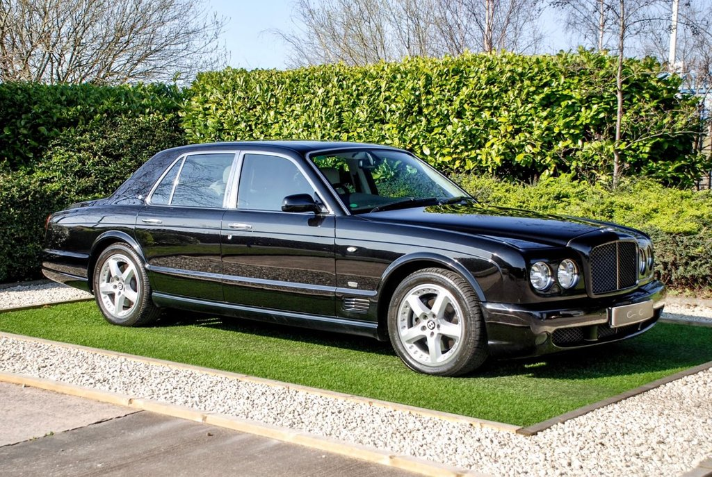 USED 2009 09 BENTLEY ARNAGE 6.8 T 4d 500 BHP An Exquisite Example of this Prestigious Gentleman's Carriage, Presented in Exceptional Condition with a Comprehensive Mulliner Level 2 Specification & Full Detailed Service History. The Interior Exudes Charm and is Luxuriously Appointed Using the Finest Materials, Complimented Further by the Fantastic Specification and Featuring a Luxury Ivory Diamond Quilted Leather Interior with Double Stitch & Embroidered Logos, Optional Small Rear Window - £5229.79, Piano Black Veneers