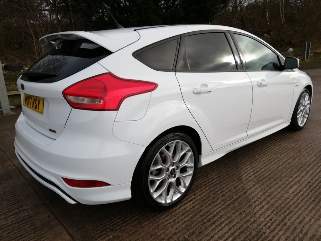 USED 2017 17 FORD FOCUS 1.0 ST-LINE 5d 124 BHP ONE FORMER KEEPER