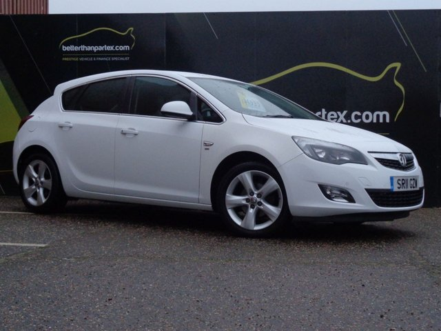 2011 11 VAUXHALL ASTRA 1.6 SRI AUTOMATIC 46,000 MILES 1 OWNER WHITE 5d 113 BHP