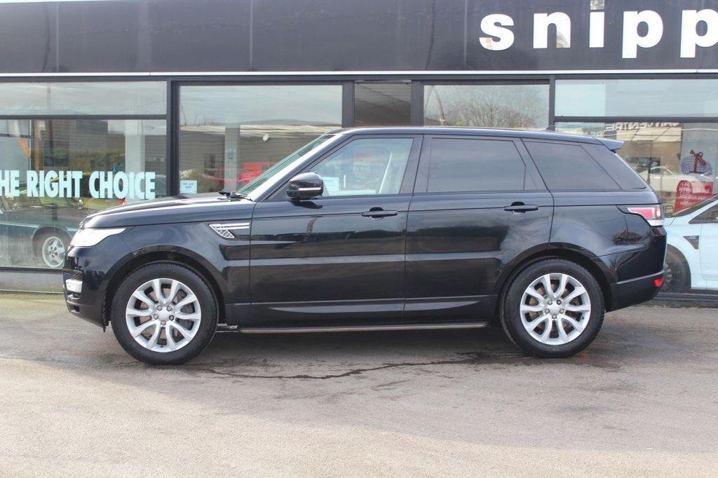 USED 2015 15 LAND ROVER RANGE ROVER SPORT 3.0 SDV6 HSE 5d 288 BHP Mariana Black Metallic, 7 Seats with Electric raising and lowering rear seats, Fixed panoramic Roof, Privacy Glass, Side Steps, BluetoothPhone and Audio Streaming,, Sat Nav, Electric Boot, Heated Seats Front and Rear, Keyless Entry, Xenon Lights, Parking Camera, DAB Radio, Ambient Lighting, Full Land Rover Service History.