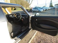 USED 2010 60 MINI HATCH COOPER 1.6 COOPER 3d 122 BHP FSH, AIR CON, AUX INPUT