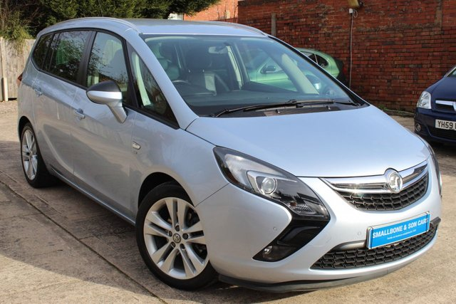 USED 2015 65 VAUXHALL ZAFIRA TOURER 1.4 SRI 5d 138 BHP **** FULL SERVICE HISTORY * HEATED SEATS * LEATHER UPHOLSTERY * PARKING SENSORS ( FRONT AND REAR ) ***