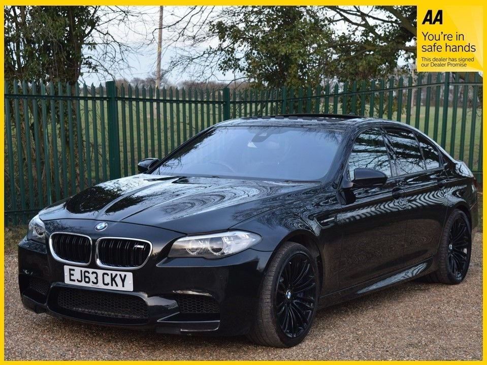 USED 2013 63 BMW M5 4.4 M5 4d 553 BHP **HEATED SEATS, SATELLITE NAVIGATION**