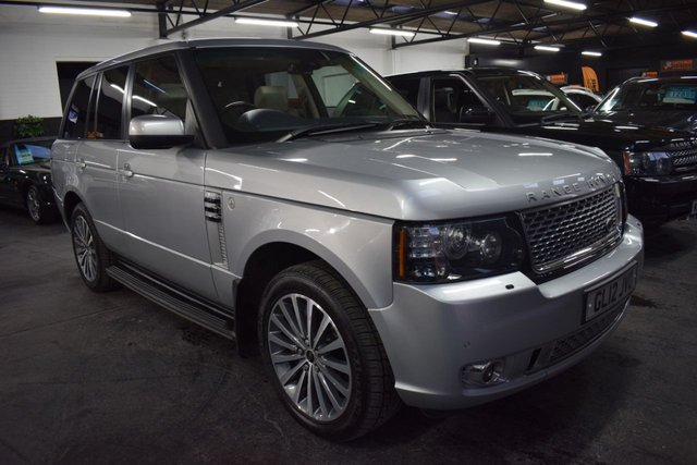 USED 2012 12 LAND ROVER RANGE ROVER 4.4 TDV8 AUTOBIOGRAPHY 5d 313 BHP STUNNING AUTOBIOGRAHY SPEC - 7 STAMPS TO 100K - NAV - TV - DUAL VIEW - REAR DVD - FULL AUTOBIOGRAPHY BODYKIT - ELECTRIC REAR SEATS