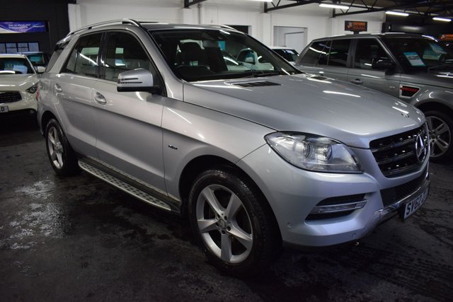 USED 2012 62 MERCEDES-BENZ M CLASS 3.0 ML350 BLUETEC SPECIAL EDITION 5d 258 BHP STUNNING LOW MILEAGE EXAMPLE - 6 MERCEDES SERVICE STAMPS TO 52K - FULL LEATHER - NAV - SIDE STEPS - HEATED SEATS - ONE PREVIOUS KEEPER