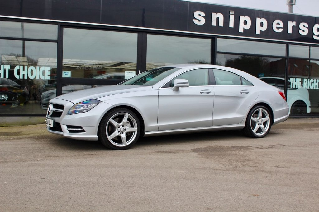 USED 2013 13 MERCEDES-BENZ CLS-CLASS 3.0 CLS350 CDI BLUEEFFICIENCY AMG SPORT 4d 265 BHP Iridium Silver Metallic Full Grey Leather Interior, Rear View Camera, Parking Pilot with PARKTRONIC, Auto Dimming Mirrors, Sports Steering Wheel, Tyre Pressure Loss Indicator, Command Online, DAB Radio, Bi-Xenon Headlights, Black Ash Wood Trim, AMG Styling, Heated Windscreen Washer System, AMG Sports Package, Satellite Navigation, Service History - Just Serviced.