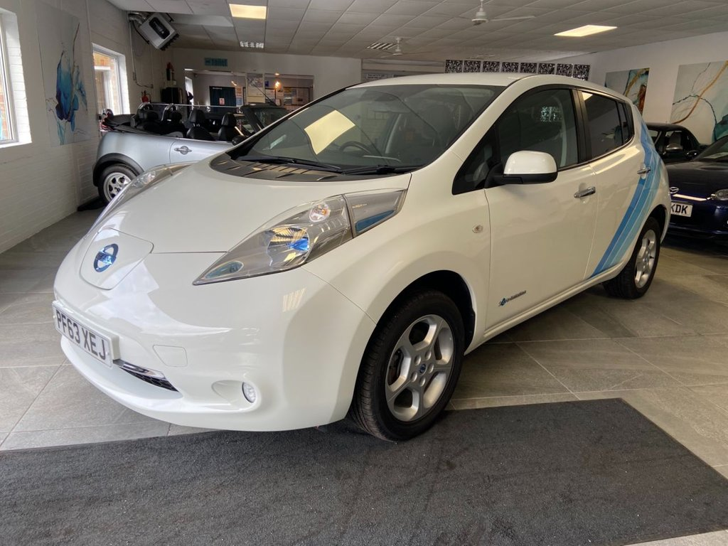 USED 2014 63 NISSAN LEAF 24 kwh 0.0 ACENTA 5d 109 BHP navigation Rare FLEX model with Battery Lease When you rent the battery, the performance of the battery is guaranteed. A great benefit together with the roadside assistance package on older vehicles that are no longer covered by the original manufacturers warranty.  The lease is based on both mileage and term. As you can transfer the lease without penalty if you sell the vehicle, most owners signup to the longest term to keep the rates low.
