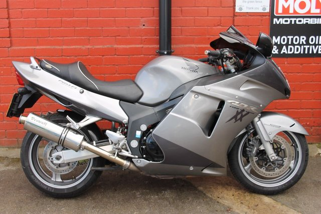 USED 2007 57 HONDA CBR1100XX SUPER BLACKBIRD X-6  A Great Sports Tourer, Finance And Delivery Available.