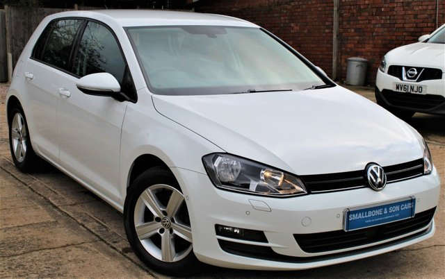 USED 2016 16 VOLKSWAGEN GOLF 1.4 MATCH EDITION TSI BMT 5d 124 BHP **** ONE OWNER * FULL SERVICE HISTORY * £30 ROAD TAX * SAT NAV * HEATED FRONT SEATS * REAR VIEW CAMERA ****