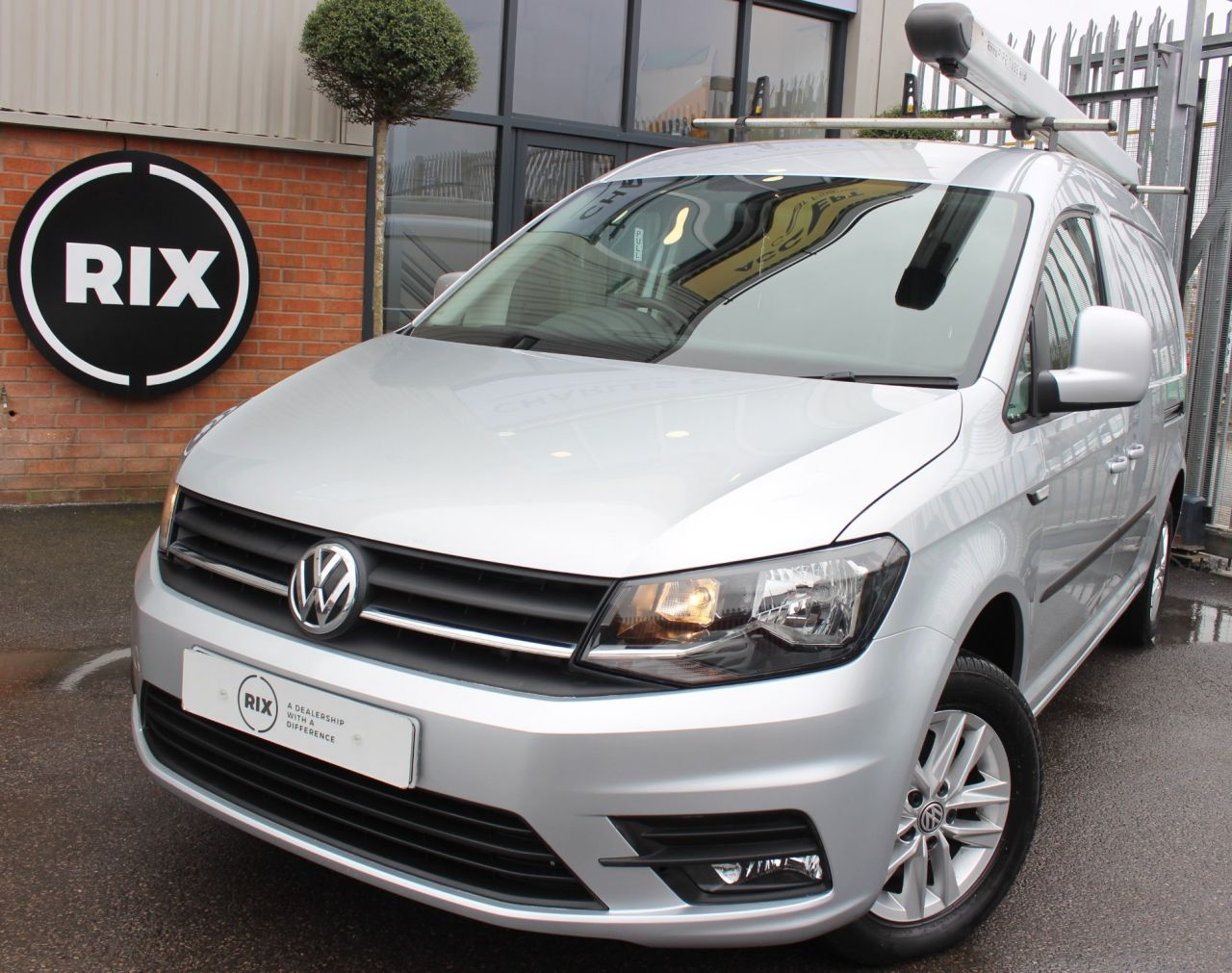 Used VOLKSWAGEN CADDY MAXI for sale