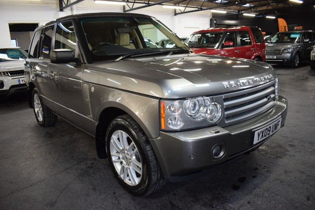 USED 2009 09 LAND ROVER RANGE ROVER 3.6 TDV8 VOGUE 5d 272 BHP STUNNING CONDITION - 8 STAMPS TO 90K - IVORY LEATHER - NAV - TV - HEATED SEATS - PRIVACY GLASS