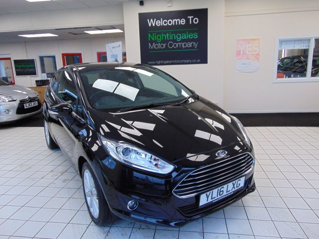 USED 2016 16 FORD FIESTA 1.0 TITANIUM 3d 99 BHP LOW MILES + FULL SERVICE HISTORY + 12 MONTHS MOT + ALLOYS + DAB RADIO + BLUETOOTH + LOW CAR TAX + DRIVERS LUMBER SUPPORT + DAB RADIO + CENTRAL LOCKING + ELECTRIC WINDOWS + HEATED FRONT SCREEN