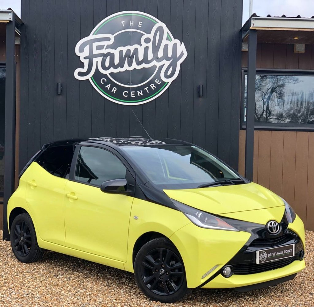 USED 2016 66 TOYOTA AYGO 1.0 VVT-I X-CITE 3 5d 69 BHP PERFECT FOR ECONOMICAL DAILY DRIVING AND IDEAL FOR A FIRST CAR! INCREDIBLY LOW MILEAGE AND A REAL HEAD TURNER IN THIS EXUBERANT COLOUR!