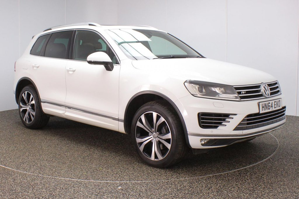 USED 2014 64 VOLKSWAGEN TOUAREG 3.0 V6 R-LINE TDI BLUEMOTION TECHNOLOGY 5DR AUTO SAT NAV 259 BHP SERVICE HISTORY + HEATED LEATHER SEATS + SATELLITE NAVIGATION + PANORAMIC ROOF + PARKING SENSOR + BLUETOOTH + CLIMATE CONTROL + MULTI FUNCTION WHEEL + HEATED STEERING WHEEL + PRIVACY GLASS + XENON HEADLIGHTS + DAB RADIO + ELECTRIC WINDOWS + ELECTRIC/HEATED DOOR MIRRORS + 20 INCH ALLOY WHEELS