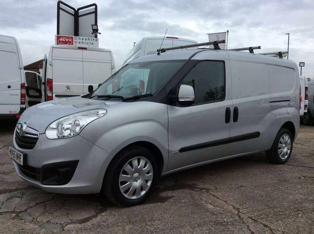 USED 2015 65 VAUXHALL COMBO VAN 1.2 2300 L2H1 CDTI S/S SPORTIVE 90 BHP 1 OWNER FSH NEW MOT TWIN SLD AIR CON ROOF RACK  RACKING FREE 6 MONTH WARRANTY INCLUDING RECOVERY AND ASSIST NEW MOT TWIN SIDE LOADING DOORS AIR CONDITIONING RACKING ROOF RACK EURO 5 REAR PARKING SENSORS SECURITY LOCKS ELECTRIC WINDOWS BLUETOOTH