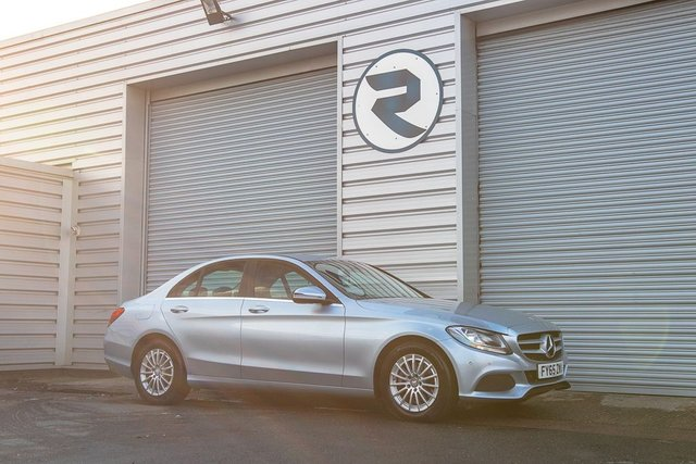 USED 2015 65 MERCEDES-BENZ C-CLASS 2.1 C220 D SE EXECUTIVE 4d 170 BHP